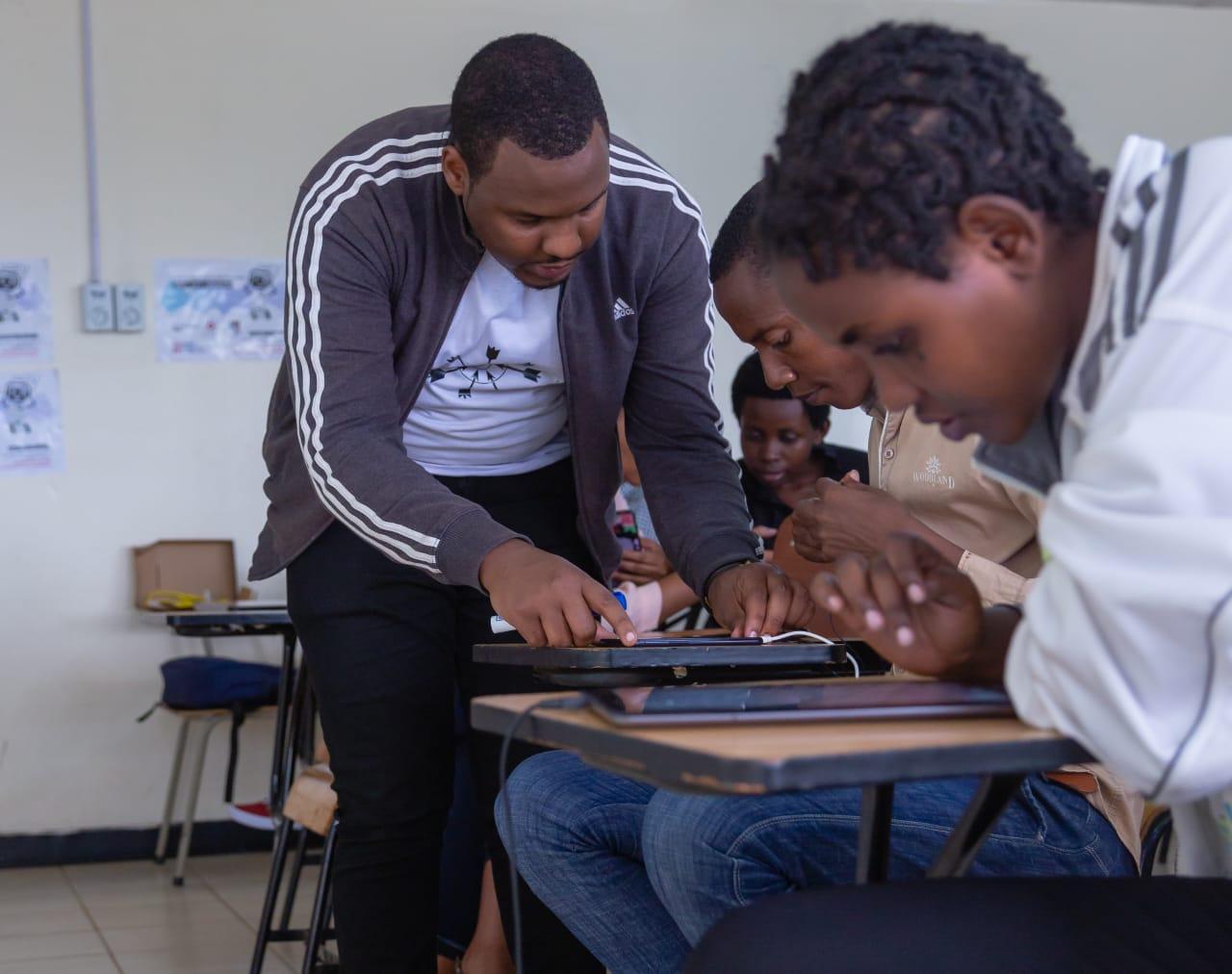 Collecting-Kinyarwanda-Voice-Data-Sets-in-a-workshop-with-Digital-Umuganda