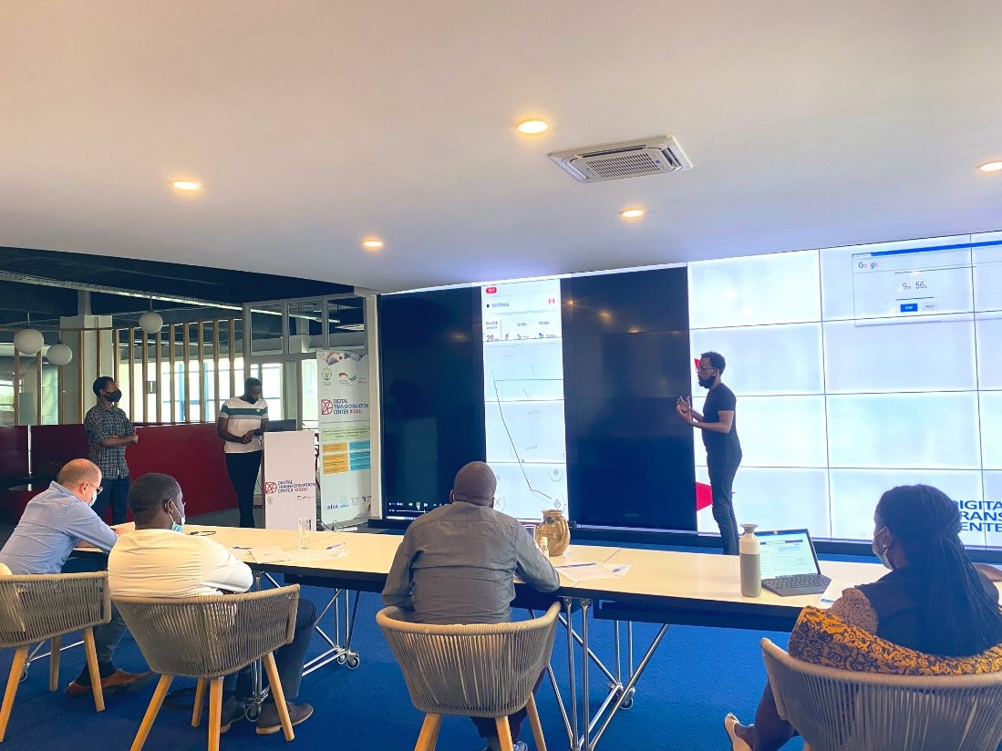 Final pitch of the Techify Mobility 2020 challenge at the DigiCenter